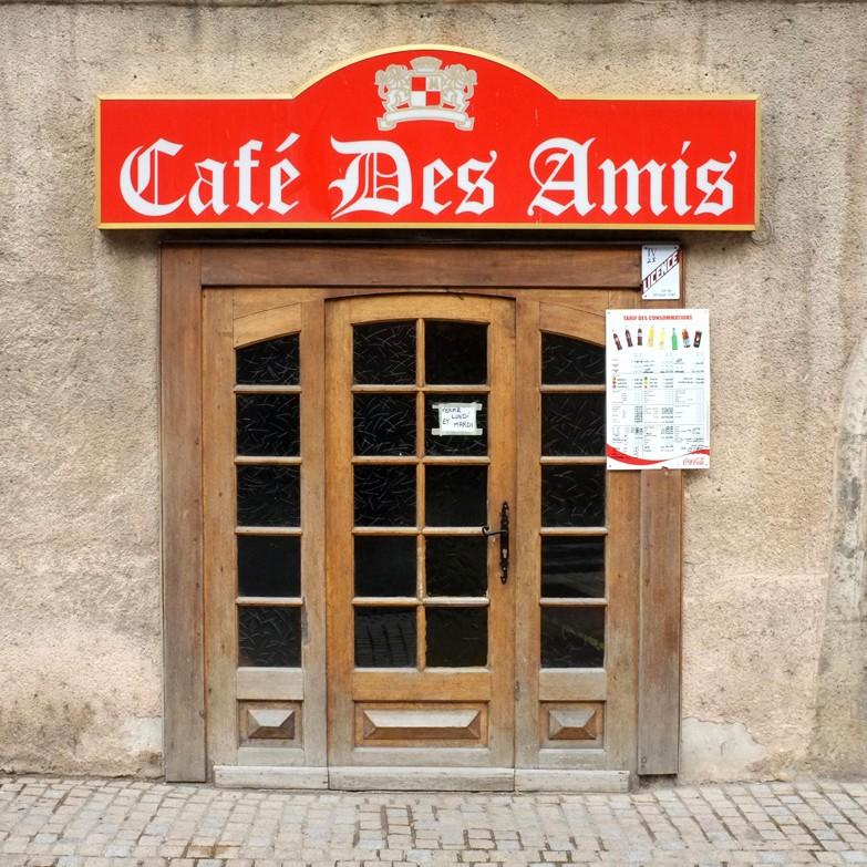 devanture d'un Café des amis