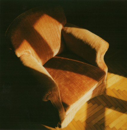 Polaroïd - Armchair in light Polaroïd - Fauteuil dans la lumière